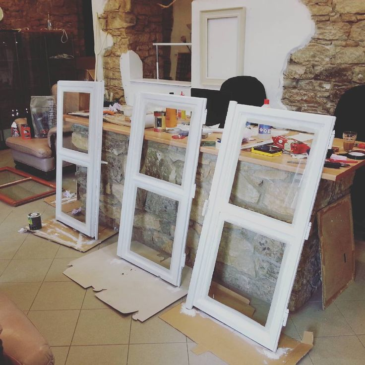 Window painting #valer #valerstudio #reconstruction #interior #interiordesign #gallery #fashion #jewelry