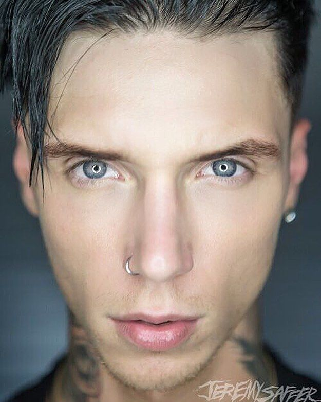 "275.7k Likes, 2,577 Comments - Andy Biersack (@andyblack) on Instagram: ""Here's a photo @jeremysaffer took backstage in Connecticut on the 2017 @vanswarpedtour it's always…"""