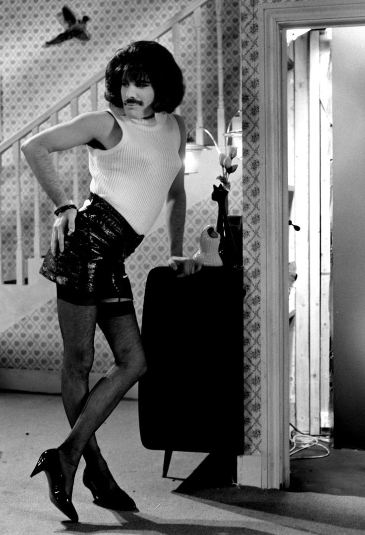 Queen ~ I Want to Break Free 1984 video shoot...Freddy Mercury