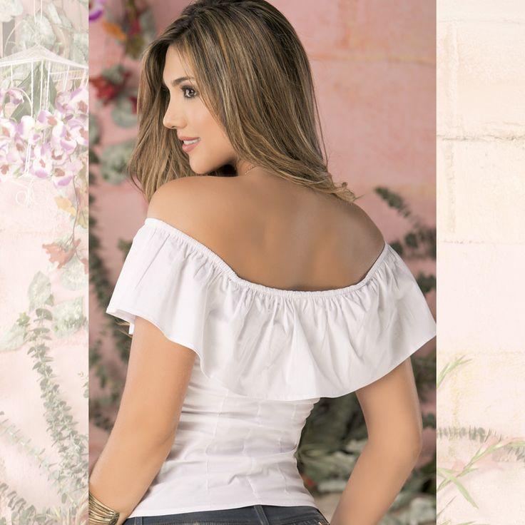Atrévete a combinar y explorar los estilos de moda. Los hombros descubiertos se imponen en el 2016. Ingresa a www.jeanstyt.com/Tienda/es Envíos GRATIS a toda Colombia #YoVistoTyt #YoAmoTyt #TytJeans #Moda