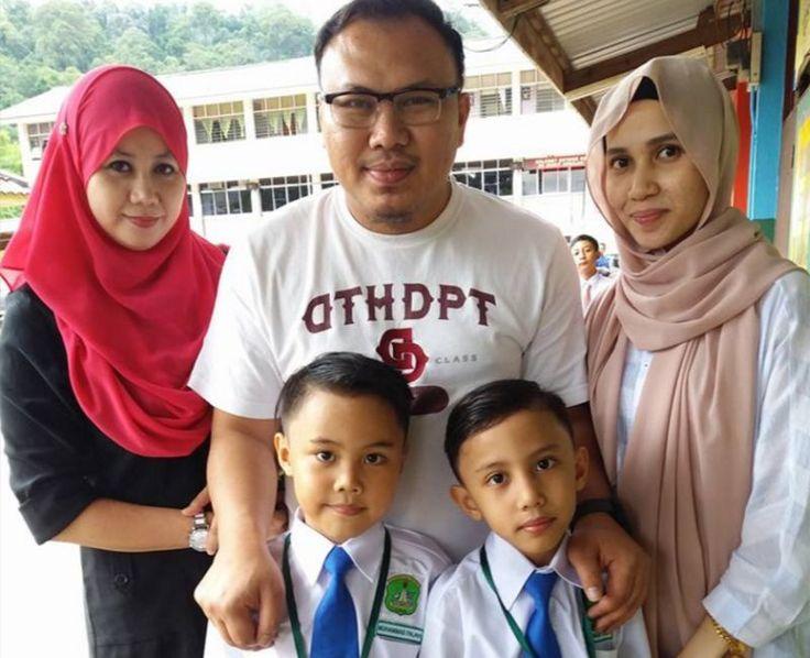 Nikmatnya berpoligami pemimpin UMNO teruja dua anak dari dua isteri belajar dalam kelas yang sama   Nikmatnya berpoligami pemimpin UMNO teruja dua anak dari dua isteri belajar dalam kelas yang sama | Tuah ayam nampak di kaki tuah Muhammad Faiz Hashim nampak pada isteri-isteri dan anak-anaknya.  Selepas tersebar foto ketua pemuda Umno bahagian Indera Mahkota Pahang dicium dua isteri pada Aidilfitri tahun lalu kini dua anaknya bersekolah Tahun Satu di sekolah sama semalam.  Nikmatnya…