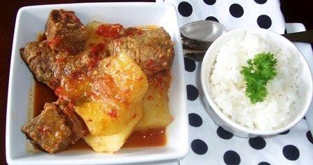El sudado no es mas que cualquier carne, acompañada o cocinada en una salsa criolla muy deliciosa. Aprenda a prepararla es fácil