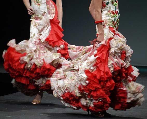 Google Image Result for http://www.flamencoexport.com/photo/productos%262Ftrajesdflamenca%262Frevista%262Ftrajes8/567x459/Flamenco-outfits.jpg