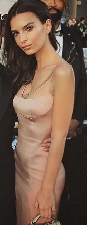 Who made Emily Ratajkowski's dress?