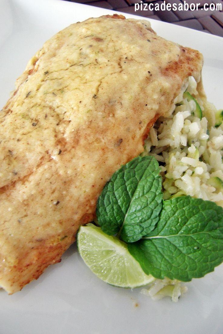Una de las maneras favoritas de comer pescado de toda mi familia. Esta receta es perfecta para impresionar y te va a encantar la combinación de limón con el queso.