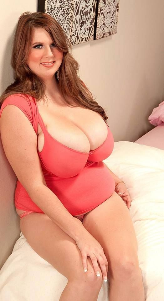 Sexy Curves And Huge Tits 8