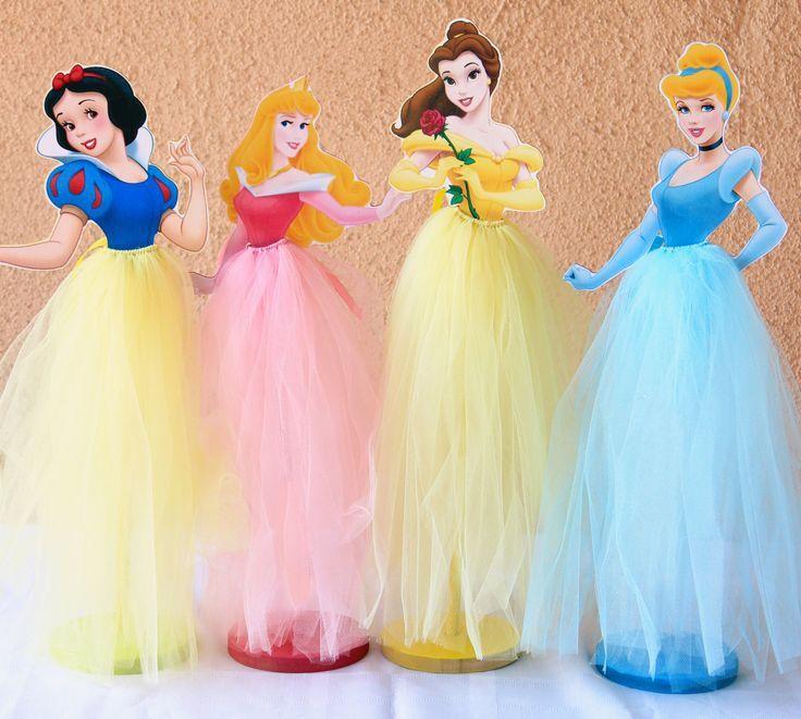 Centros de mesa de princesas con vestidos de tul - Dale Detalles