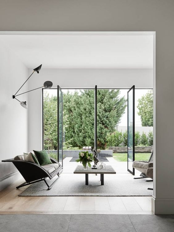 love the airy feel of this