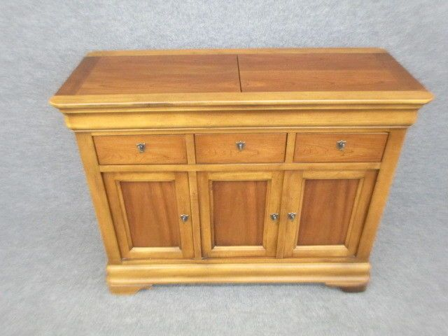 National Mount Airy Server
