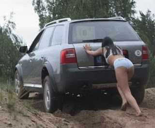 Have you laughed today ?: Imagini haioase - Accidente auto femei