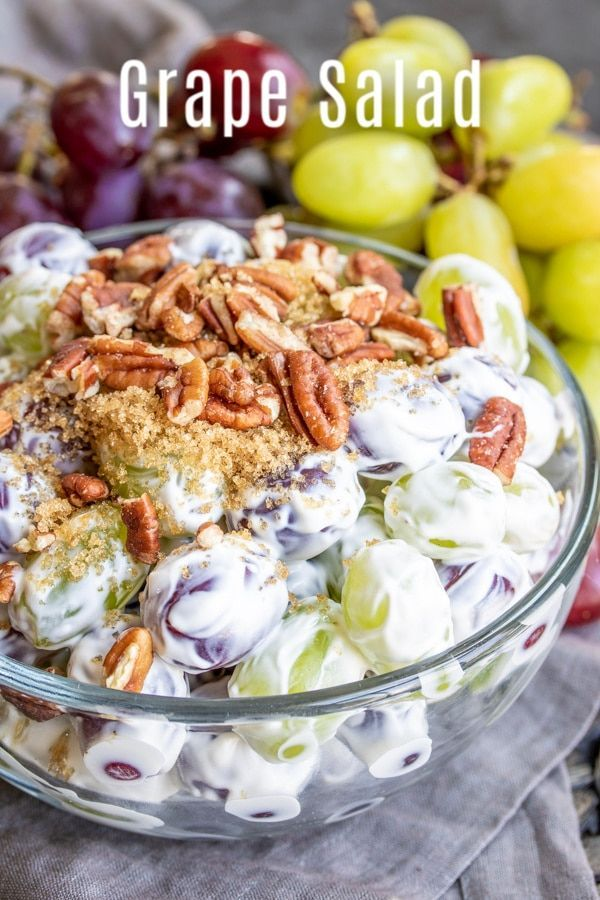 This Easy Grape Salad Recipe Is A Creamy Fruit Salad Made With Cream Cheese And Sour Cream Tossed With Grapes Grape Salad Recipe Grape Salad Fruit Salad Making
