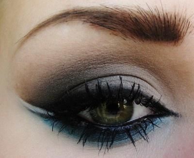 blue undereye: Cat Eye, Dramatic Eye, Blue Eye Makeup, Hair Makeup, Make Up Tutorials, Makeup Eye, Photo Galleries, Eyemakeup, Smokey Eye
