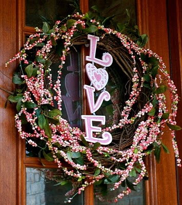 Valentine's wreath: Crafts Ideas, Doors Window, Doors Decor, Crafts Holidays Valentines, Valentines Doors, Valentines Day, Valentines Wreaths, Heart Valentines, Valentines Decor