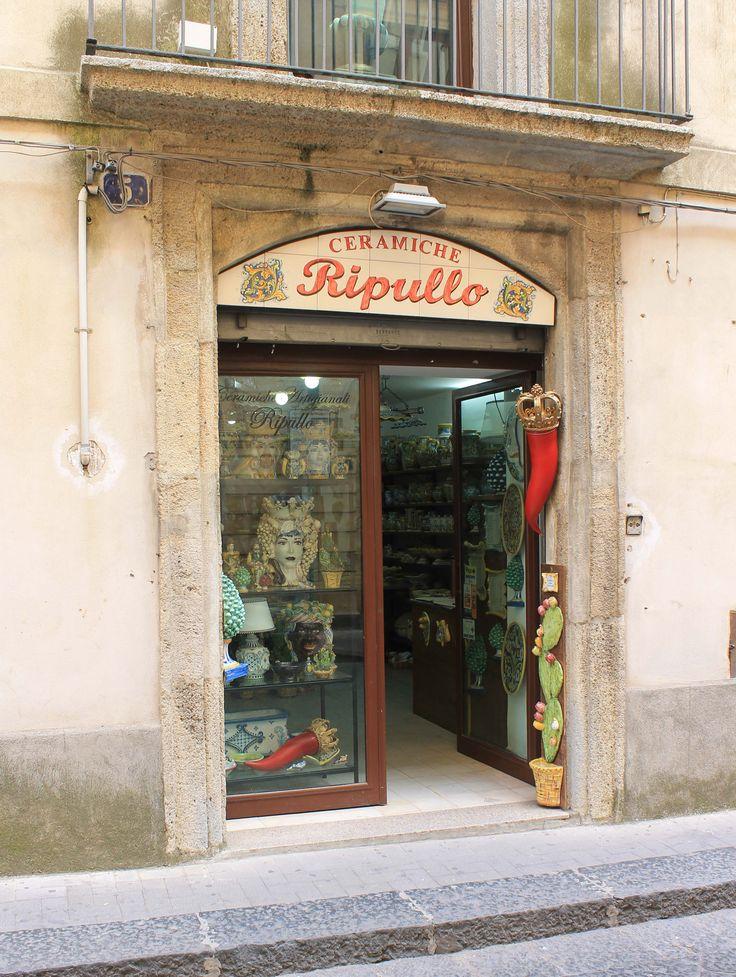 Via Luigi Sturzo,5 Ceramiche Ripullo