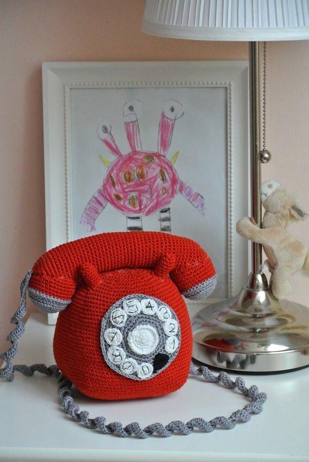 Amigurumi Telefon mit Hörer und Wählscheibe zum Spielen - Häkelanleitung via Makerist.de
