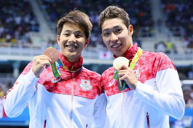 金メダル第1号は萩野公介選手。期待が集まる中、日本新記録による見事な金メダルでした。幼いころから切磋琢磨してきた瀬戸大也選手も銅メダルを獲得し、日本勢2人が表彰台に上がりました。#がんばれニッポン #競泳 #Rio2016 #リオ五輪