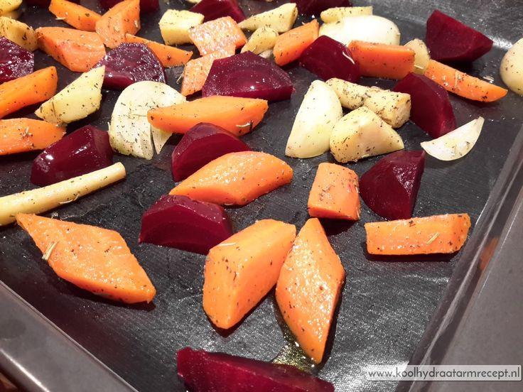 Geroosterde wortel groenten hebben een enorm geconcentreerde smaak. Hier het recept ervan maar gebruik vooral je eigen combinaties!