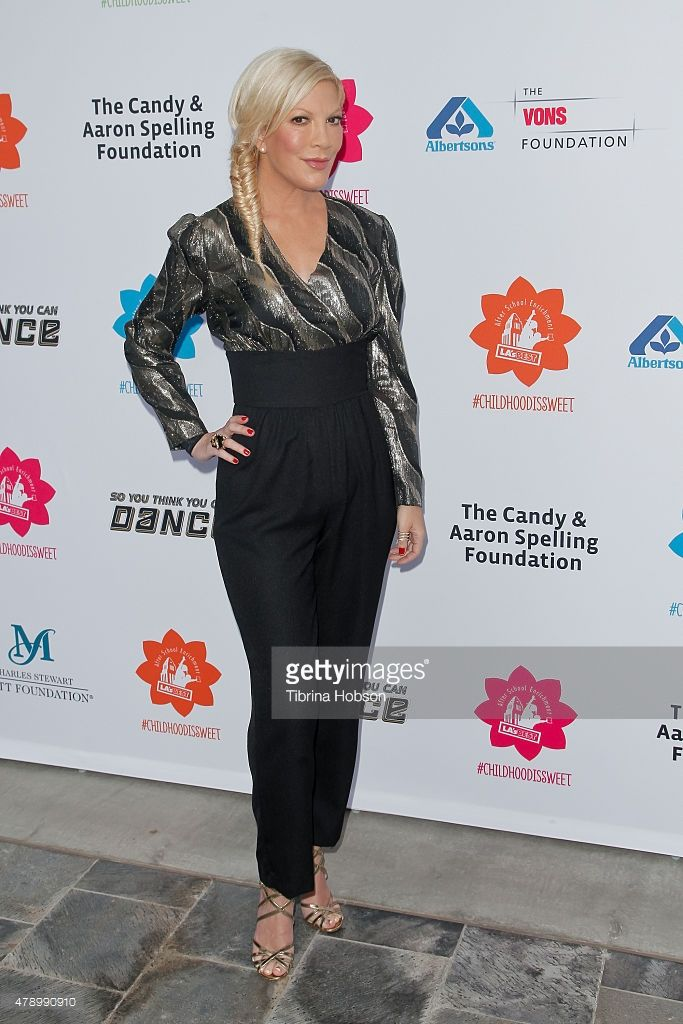 Tori Spelling attends LA's Best annual family dinner 2015 at Skirball Cultural Center on June 27, 2015 in Los Angeles, California.