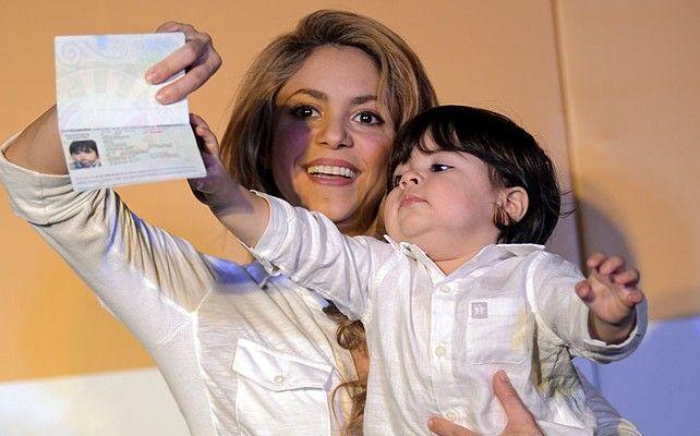 Milan, el hijo de Shakira, ya tiene su pasaporte Colombiano  www.vivalaradiotelevision.com