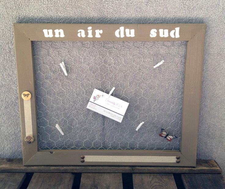 """Cadre pèle mêle taupe """"un air du sud"""" en grillage à poule : Décorations murales par serendipity-and-cie"""