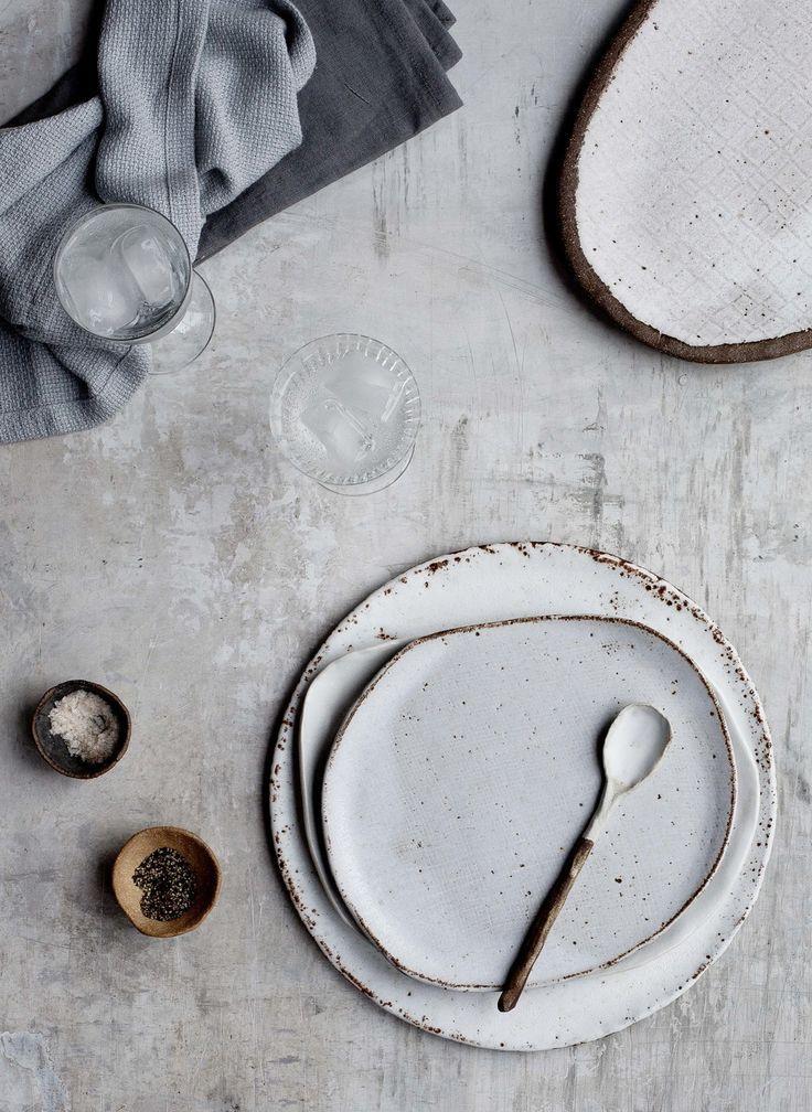 Irregular plates// Beautiful white textured ceramic plates and matching spoon set.