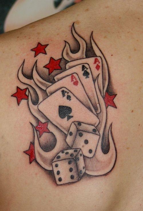 Estrelas vermelhas e cartões de tatuagem dos dados À Esquerda Voltar Shoulder