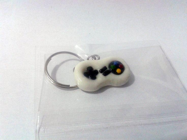 Chaveiro Super Nintendo Controller (scheduled via http://www.tailwindapp.com?utm_source=pinterest&utm_medium=twpin&utm_content=post190560629&utm_campaign=scheduler_attribution)