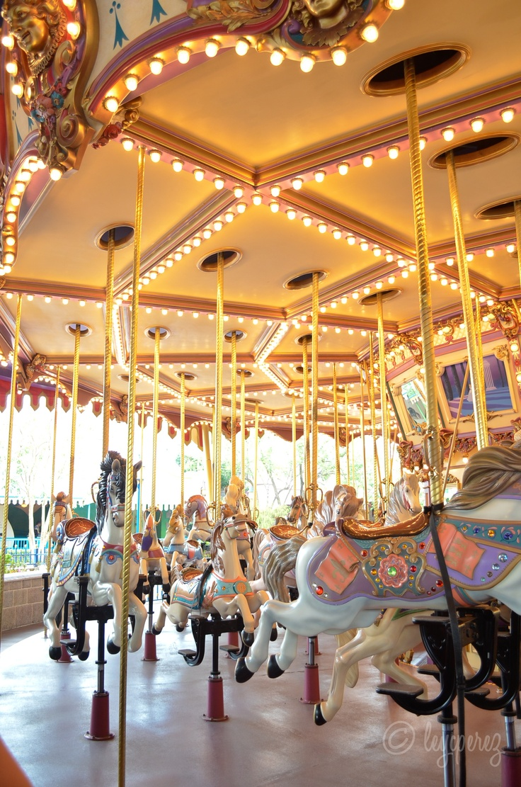 Cinderella Carousel, Hong Kong Disneyland