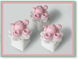 """Tea Party"" decorated sugar cubes from cookiesncream.com"