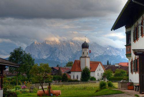 Katholische Kirche St. Jakob Wallgau Oberbayern HDR