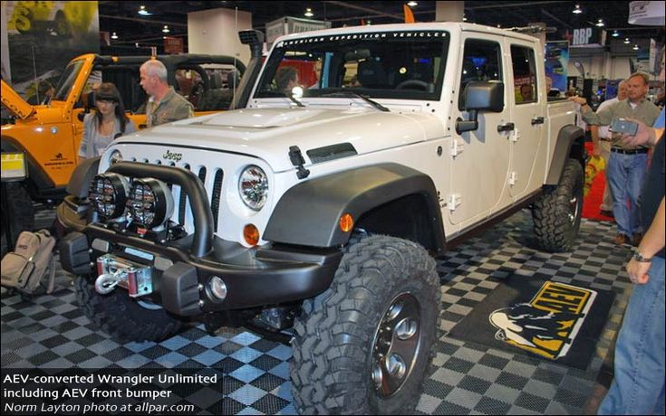 The hot new 2011-2013 Jeep Wrangler and Wrangler Unlimited - see the changes with new engine, transmission, interiors, and tops