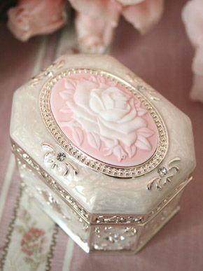 cameo rose music box