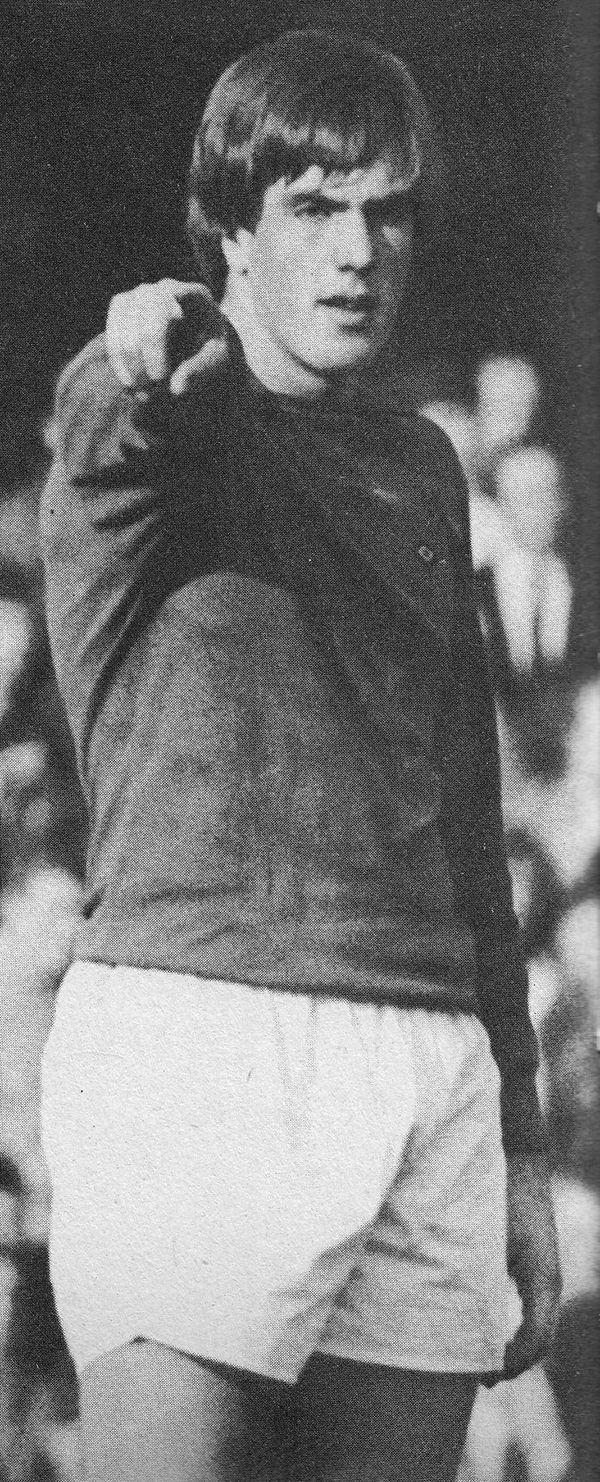 Circa 1971/72. Queens Park Rangers goalkeeper Phil Parkes minus his famous mustache.