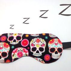 Divertente mascherina per dormire: la dormigliona con teschi di zucchero -  Stitch 'n' Pastitch