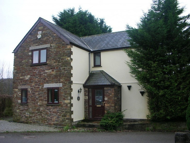 For sale by owner a 6 Bed Detached House for Sale Cornwall      Lang Gardens, Plymouth, Cornwall, PL18 9SL