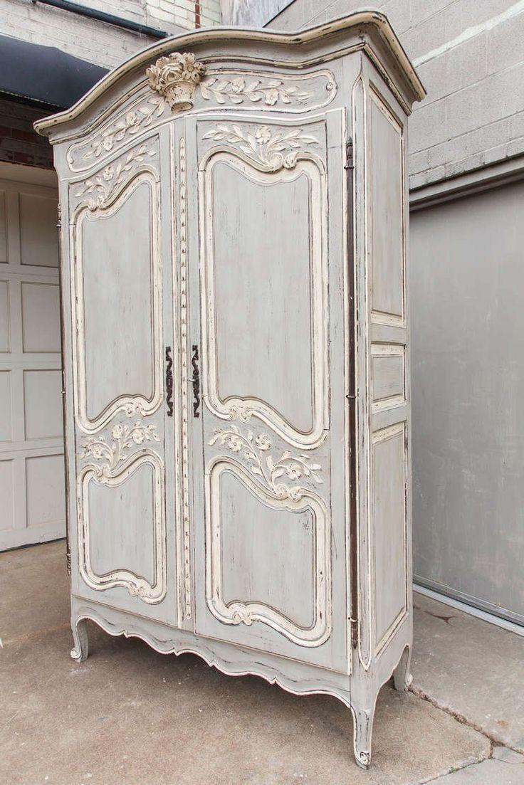 Painted Louis XV Armoire In Excellent Condition For Sale