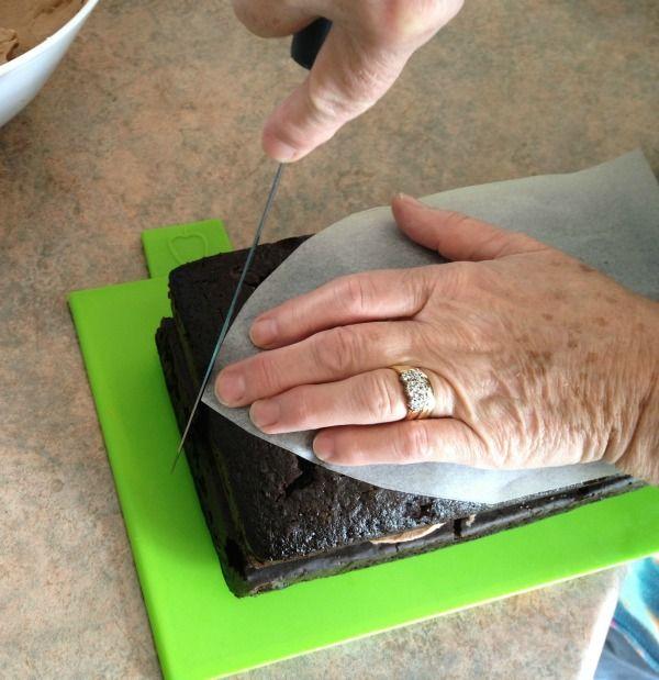 how to make a pirate ship cake