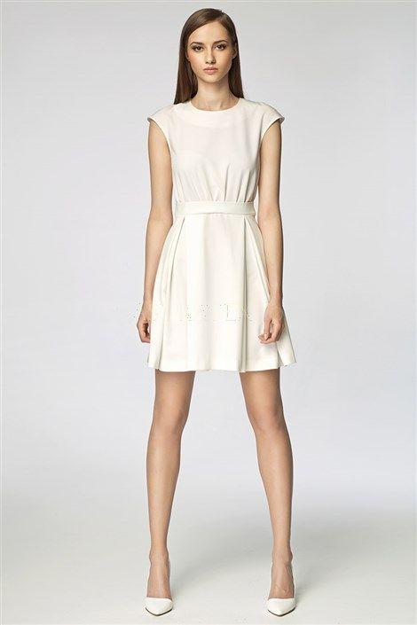 Rochie de culoare crem deschis, cu aspect romantic. Pentru ocazii speciale sau tinuta de zi cu zi!