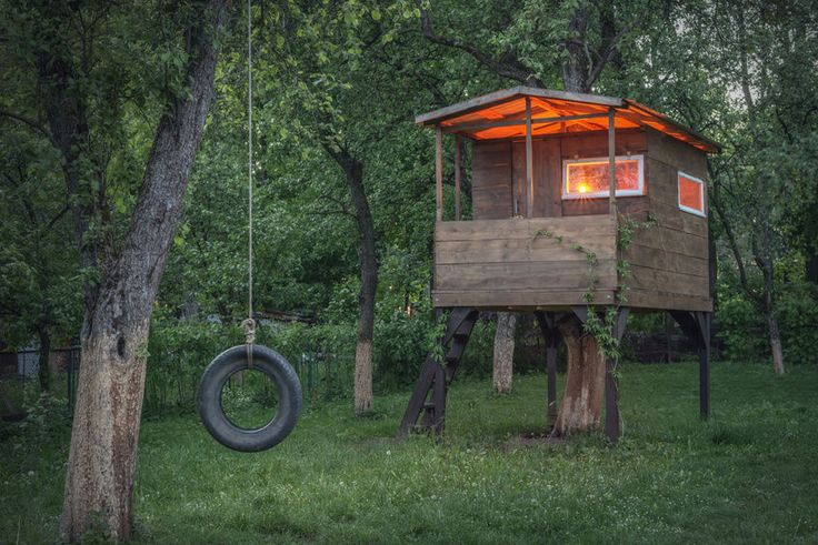 How to Build a Children's Outdoor Playhouse