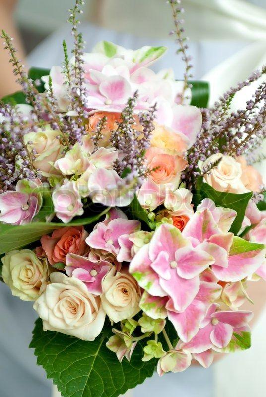 Stock foto af 'Bryllup buket af vilde blomster med lille dybdeskarphed'