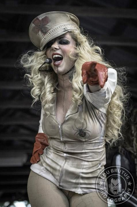 Epic firetruck 39 s maria brink in this moment lou brutus - Maria brink pics ...