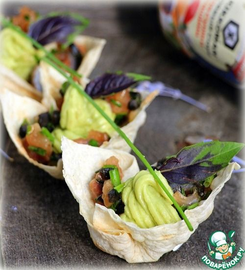Тарталетки с крем-авокадо и рыбным тартаром - кулинарный рецепт