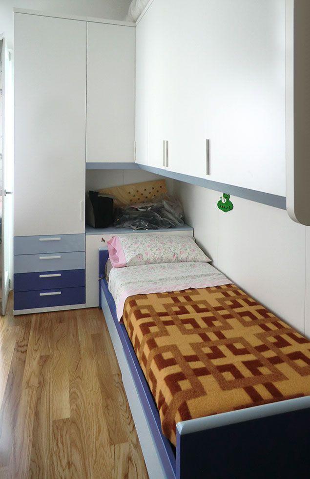 Cameretta Domio City Line, bianco, cielo e blu. In una cameretta molto piccola è importante utilizzare colori chiari, ma senza rinunciare ad un tocco di colore.