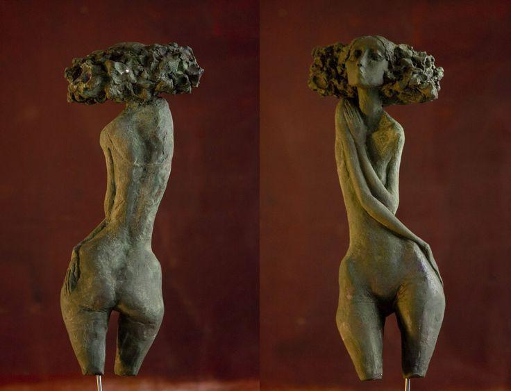 """Poo poo pi doo ! Les """"petites bonnes femmes"""" de Valérie HADIDA (sculpteure et peintre)."""