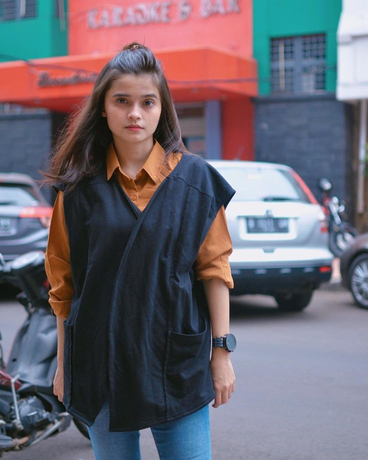 """1,470 Likes, 31 Comments - Madinah Agiesta (@nenagiesta) on Instagram: """"i'm wearing outer black with brown blouse by @gaudi_clothing @gaudi_clothing"""""""