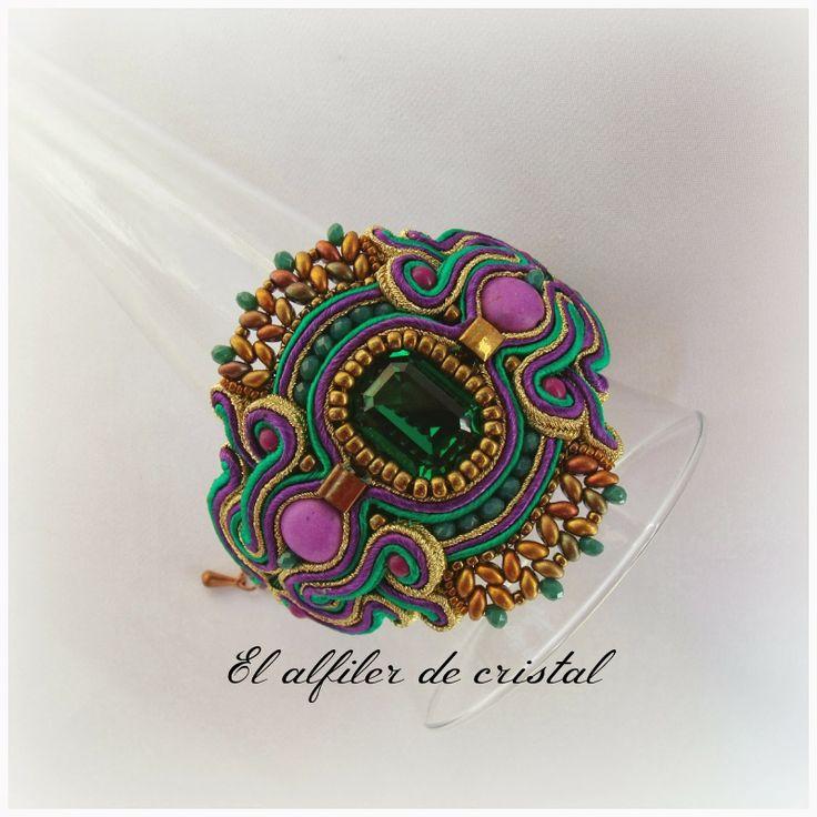 El alfiler de cristal: Primavera esmeralda