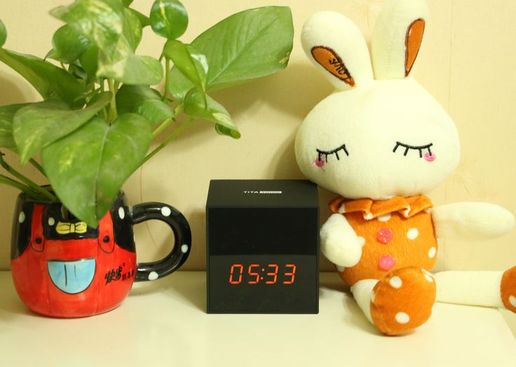 New HD WiFi clock Spy Camera