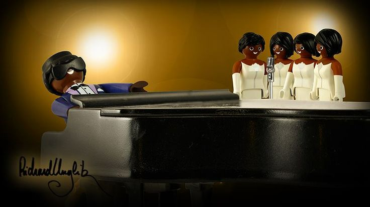 Preview fromRichard Unglik next book ROCK AROUND PLAYMOBIL (automne 2015) / Ray Charles