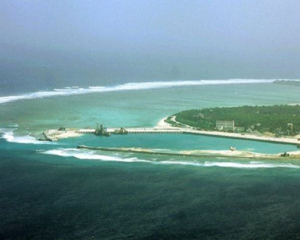 South China Sea News: China Slams Singapore For Backing PH - http://www.morningledger.com/south-china-sea-news-china-singapore/13107940/