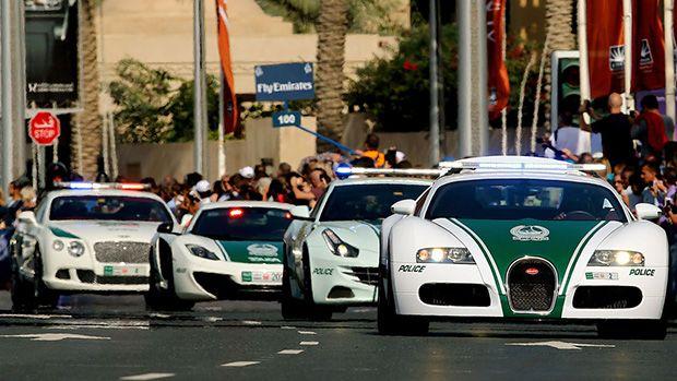 The Dubai Police Fleet Includes A Lamborghini Ferrari And Bentley